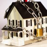Забирают ли единственное жилье за долги
